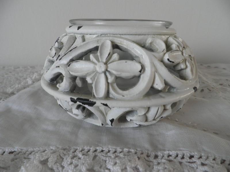 Waxinehouder met bloemen