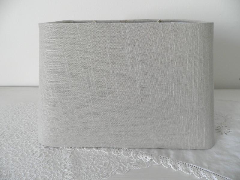 Licht beige/grijze langwerpige lampenkap