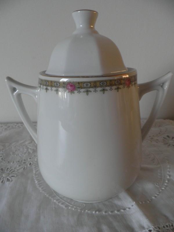 Brocante porseleinen suikerpot met deksel
