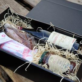Wijn met salami, olijven en zoet (zonder fruit)