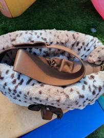 Pet Flys Snuggle Bug Snow Leopard / Cream