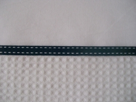 Wieglakentje wit met donkerblauw bandje 75 x 100 cm
