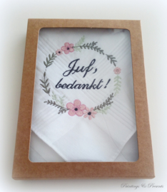 Geborduurde zakdoek wit met bloemenkransje 'juf, bedankt!'