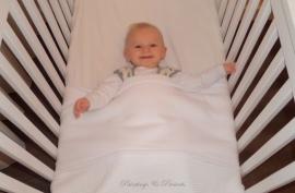 Ledikant/ baby dekens 110 x 140 cm (met geborduurde naam)