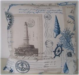Kussen maritiem `sealife` zand/blauw/marine en poststempels