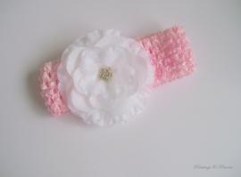 babyhaarbandje roze gehaakt met witte bloem en strass