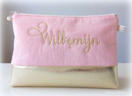 Toilettas goud kunstleer roze gewassen linnen met geborduurde naam
