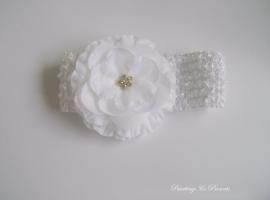babyhaarbandje wit met witte bloem en strass
