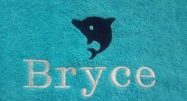 Geborduurde kinderbadjas aqua blauw met naam en dolfijn
