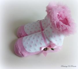 Babysokjes 12 - 24 mnd. wit gestippeld met roze schoentje, tule en roosje/strikje