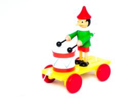 Trekfiguur Pinokkio met trommel