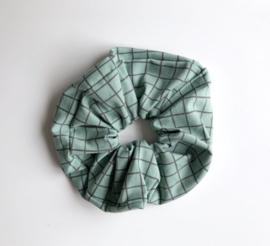 Ollie & Flo scrunchie wokkel groen gridprint