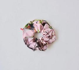 Ollie & Flo scrunchie wokkel lichtroze met bloemen