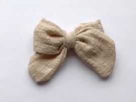 By Mev Haarclip Mary Linnen beige 10cm