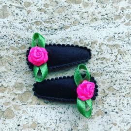 Haarspeldjes zwart/Neon roze roosje