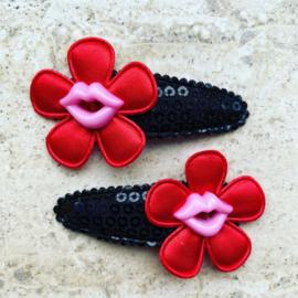 Haarspeldjes met roze lippen