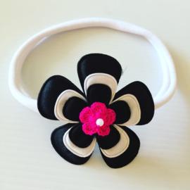 Nylon Haarbandje met bloem (zwart/wit/met fuchsia bloem)