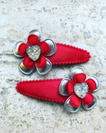 Haarspeldjes rood/zilveren met hartje