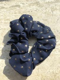 Schrunchie navy met gouden ster