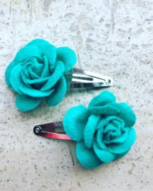 Haarspeldjes met vilten roos zeegroen