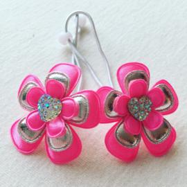 Haar elastiekje roze/zilver met glitter hartje