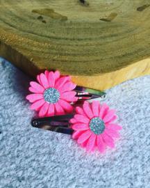 Haarspeldjes met Daisy flowers neon rose/zilver