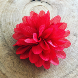 Rode  glitter bloem met clip