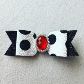 Haarstrik wit met zwarte stippen en rode steen