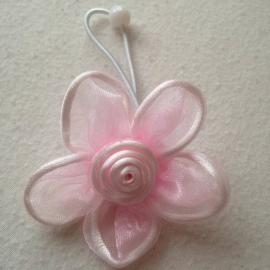 L. rose organza bloem met elastiek