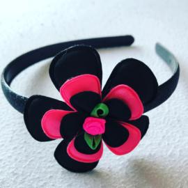 Daideem. met bloem Zwart/Neon Roze