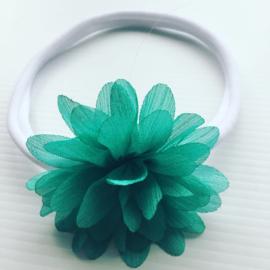 Nylon haarbandje met bloem zeegroen