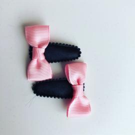Haarspeldjes  met strikjes (licht roze)