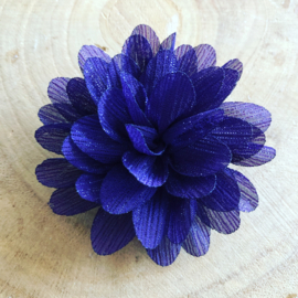 Donker paarse glitter bloem met clip