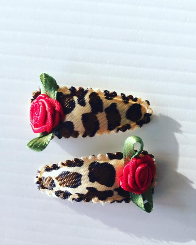 Baby Haarspeldjes panterprint/rood roosje