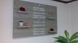 Wandbord steigerhout tekst In dit huis... Grey wash