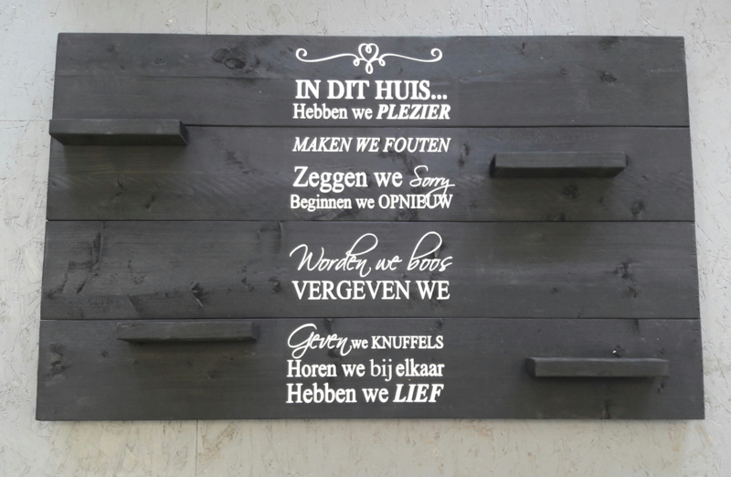 Wandbord steigerhout in dit huis antraciet