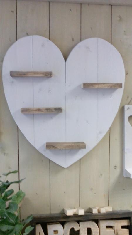 Wandbord hart breed white wash