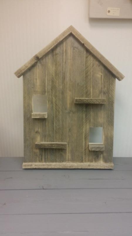 Wandbord huis gebruikt steigerhout