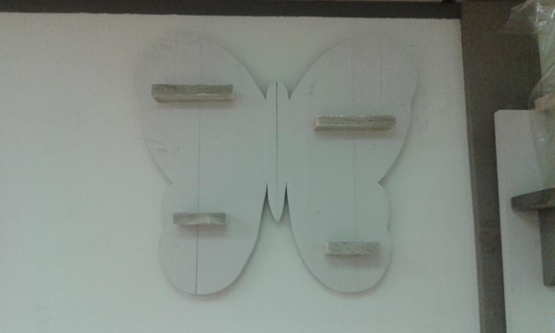 Wandbord Vlinder white wash