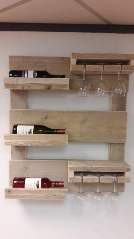Wandbord wijnrek van steigerhout