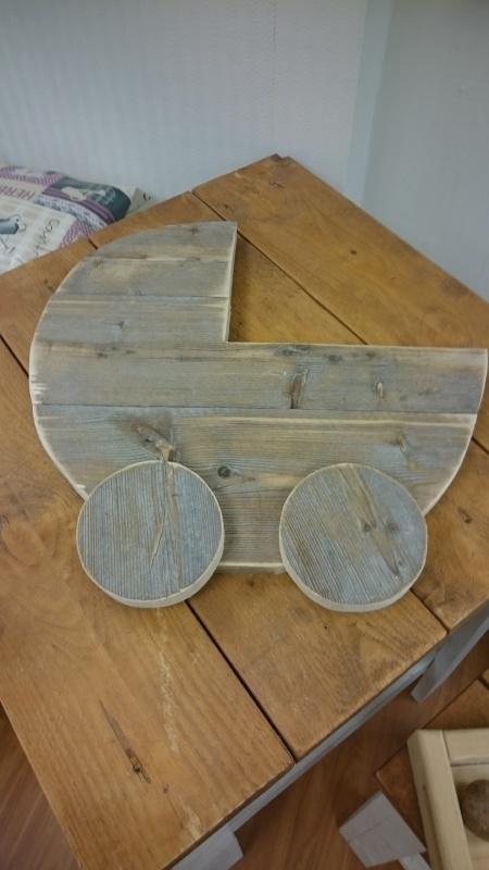 Kinderwagen van steigerhout groot
