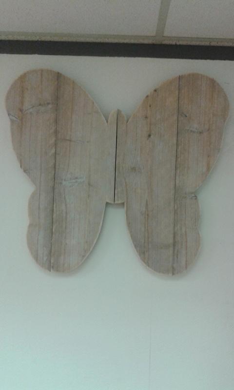 Wandbord Vlinder gebruikt steigerhout