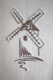 Badcape  met naam + molen geborduurd