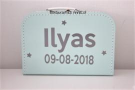 Koffertje met naam+ datum + sterretjes
