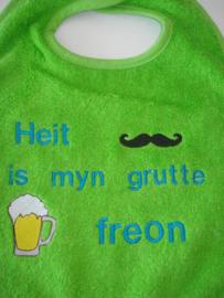Slab geborduurd Heit is myn FREON met biertje + smor