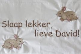 Ledikantlaken met 2 konijntjes + naam of tekst