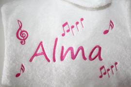 Muzieknoten + naam geborduurd
