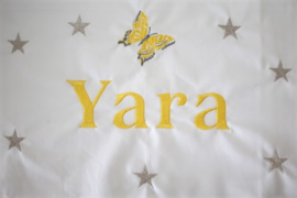 Ledikantlaken met naam + vlinder geel/ grijs + zilver sterretjes