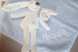Monddoek met naam + Rabbit Richie 19 cm met naam