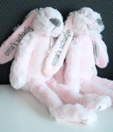 Rabbit Richie 28 cm met korte tekst op het oor ( oma's schatje)